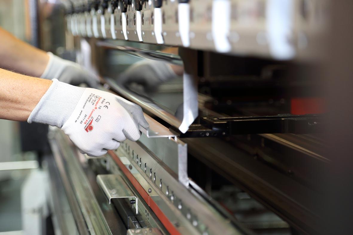 Amada Hg 2204 Press Brake Atc Steel Fabrication